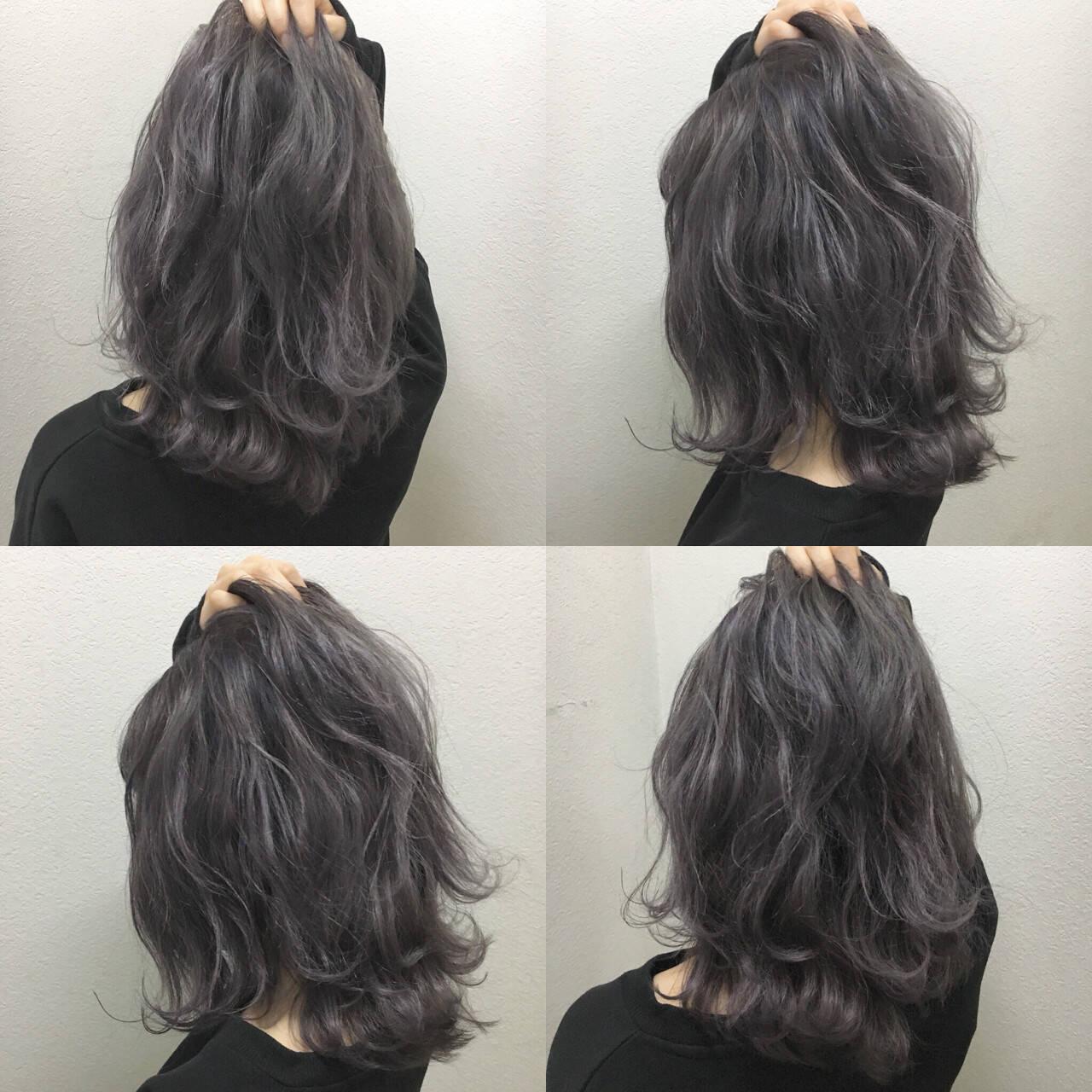アッシュグレージュ 暗髪 外ハネ ナチュラルヘアスタイルや髪型の写真・画像