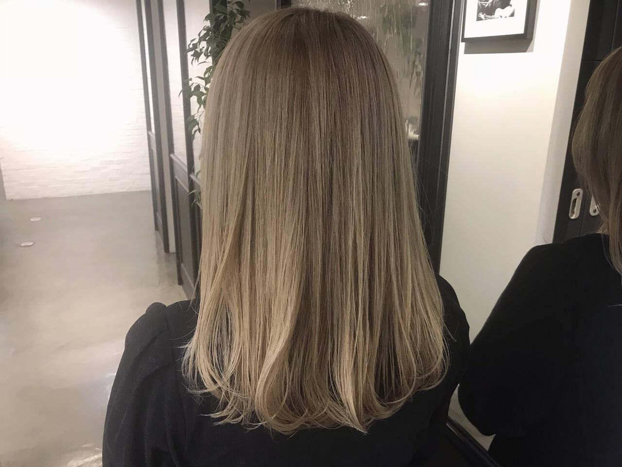 外国人風カラー ガーリー 金髪 ブラウンヘアスタイルや髪型の写真・画像