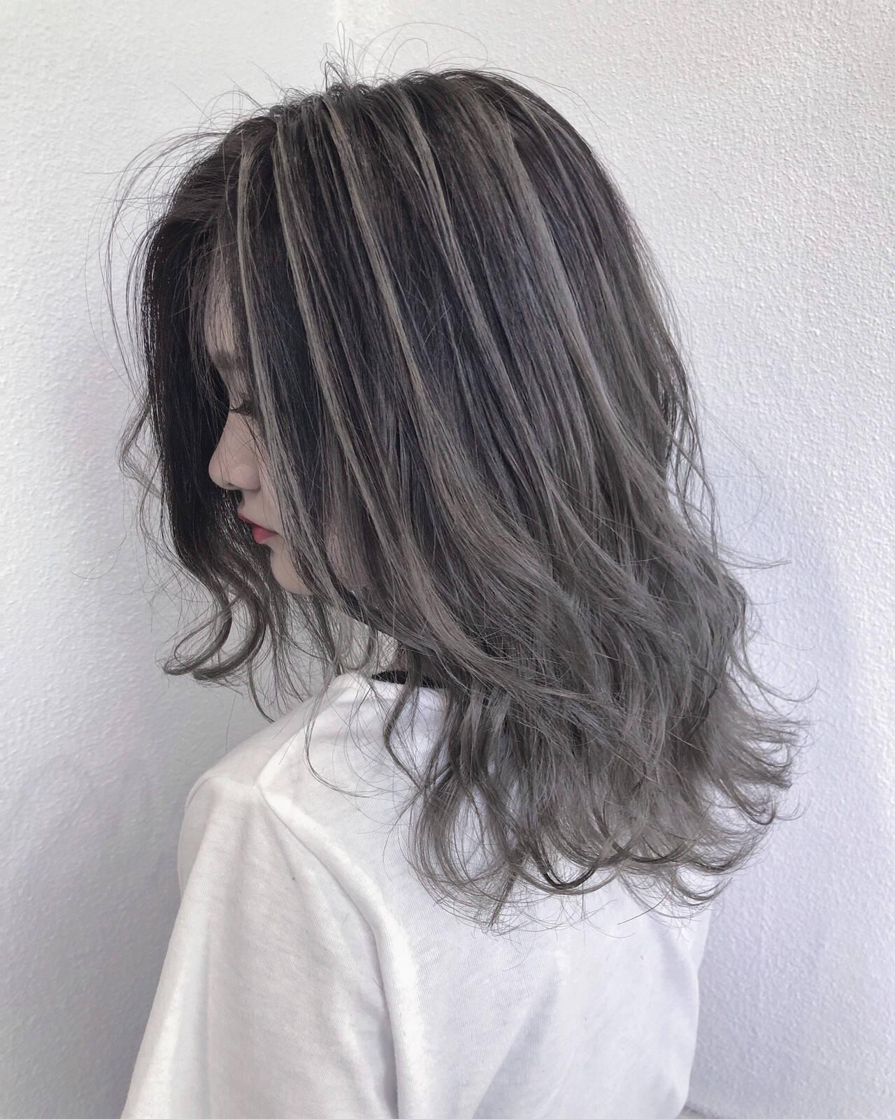 外国人風カラー 透明感 ホワイトアッシュ ハイライトヘアスタイルや髪型の写真・画像