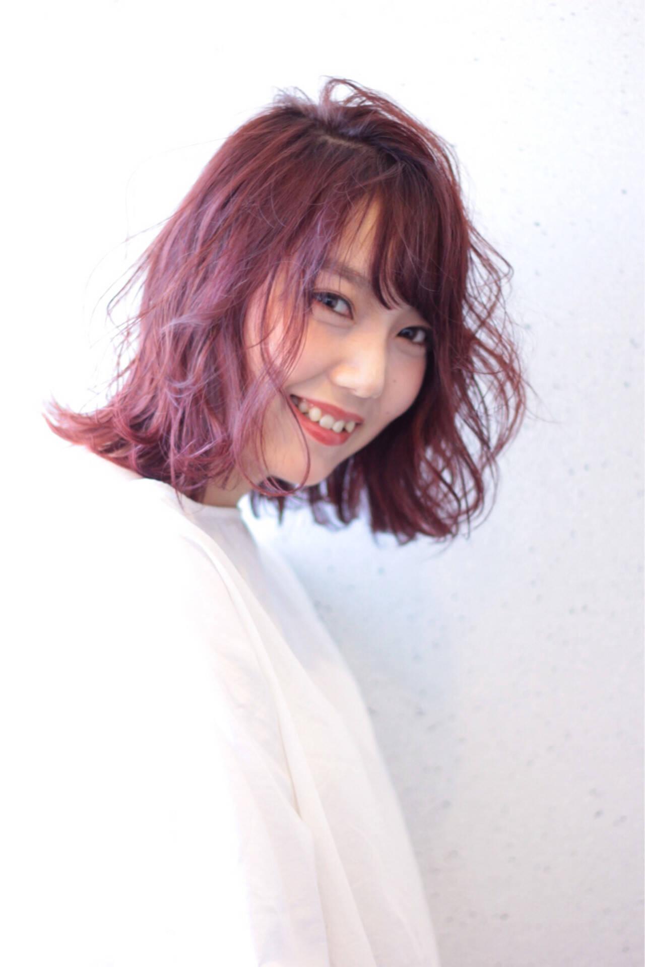 ベージュ ラベンダーピンク ラベンダー ボブヘアスタイルや髪型の写真・画像