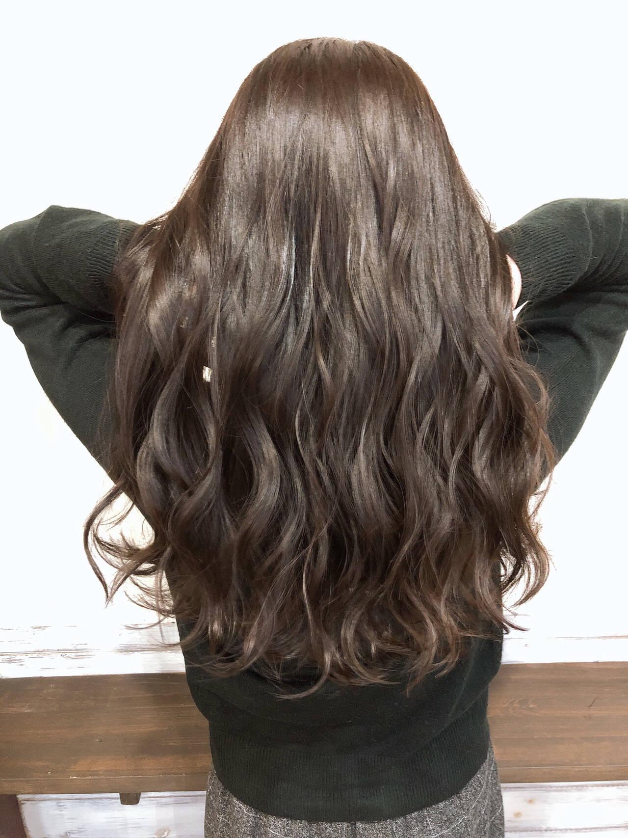 ナチュラル ロング 艶髪 ショコラブラウンヘアスタイルや髪型の写真・画像