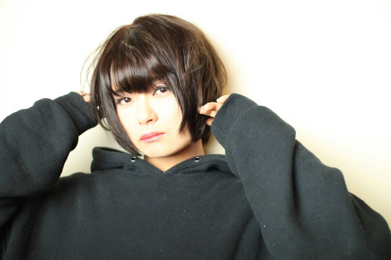 ストリート 黒髪 ロック セクシーヘアスタイルや髪型の写真・画像