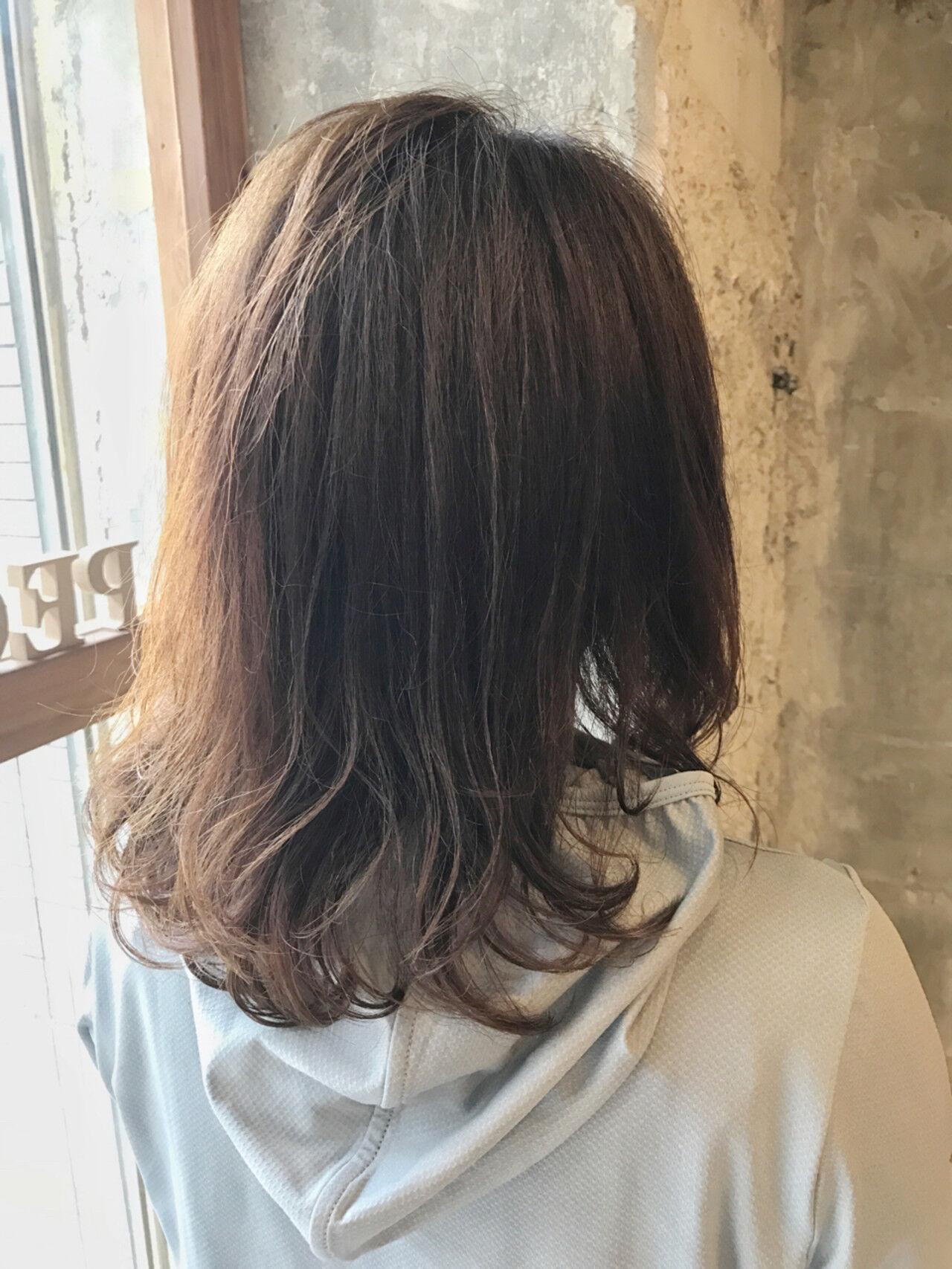 デート ナチュラル アンニュイ アウトドアヘアスタイルや髪型の写真・画像