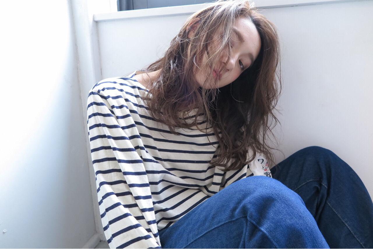 かき上げ前髪 ハイライト アッシュ 前髪ありヘアスタイルや髪型の写真・画像