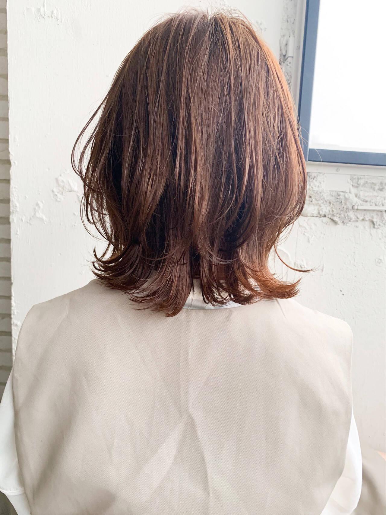 ウルフカット ナチュラル ミディアム 大人ミディアムヘアスタイルや髪型の写真・画像