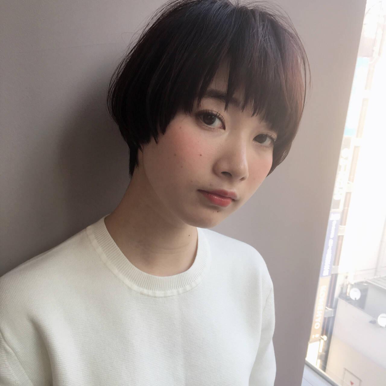 小顔 ショート ナチュラル こなれ感ヘアスタイルや髪型の写真・画像