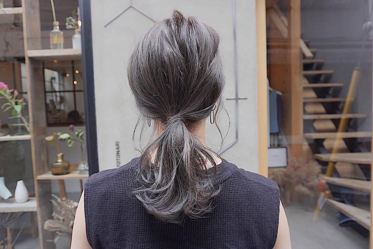 ナチュラル くすみカラー 切りっぱなしボブ グレージュヘアスタイルや髪型の写真・画像