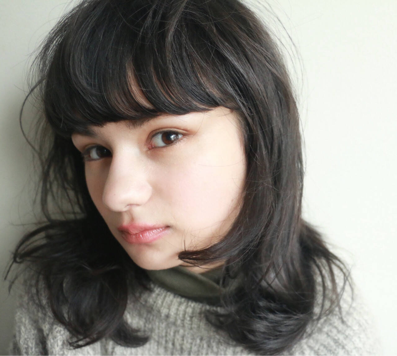 黒髪 ミディアム モード 暗髪ヘアスタイルや髪型の写真・画像