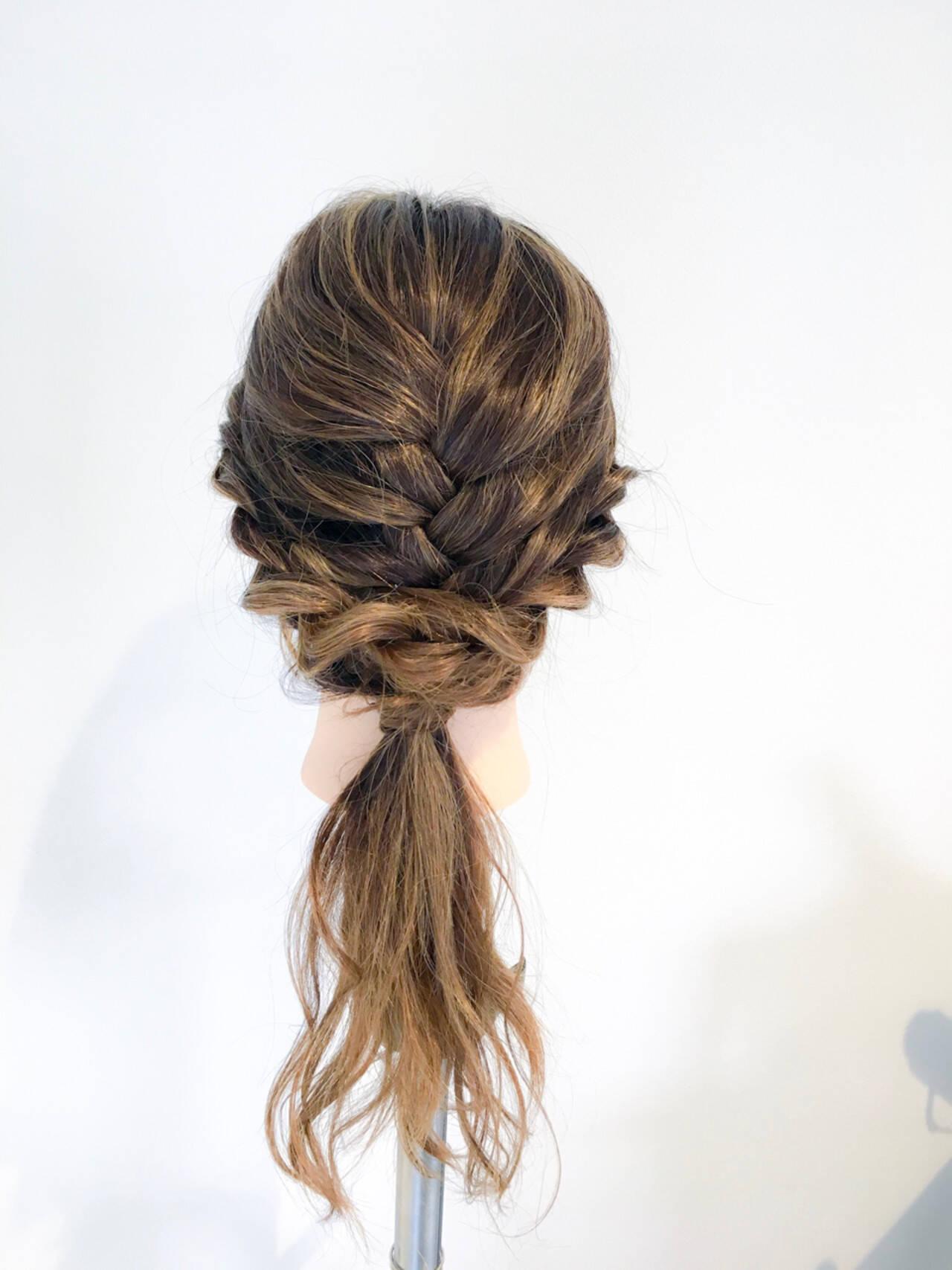 ロング アウトドア 編み込み 簡単ヘアアレンジヘアスタイルや髪型の写真・画像