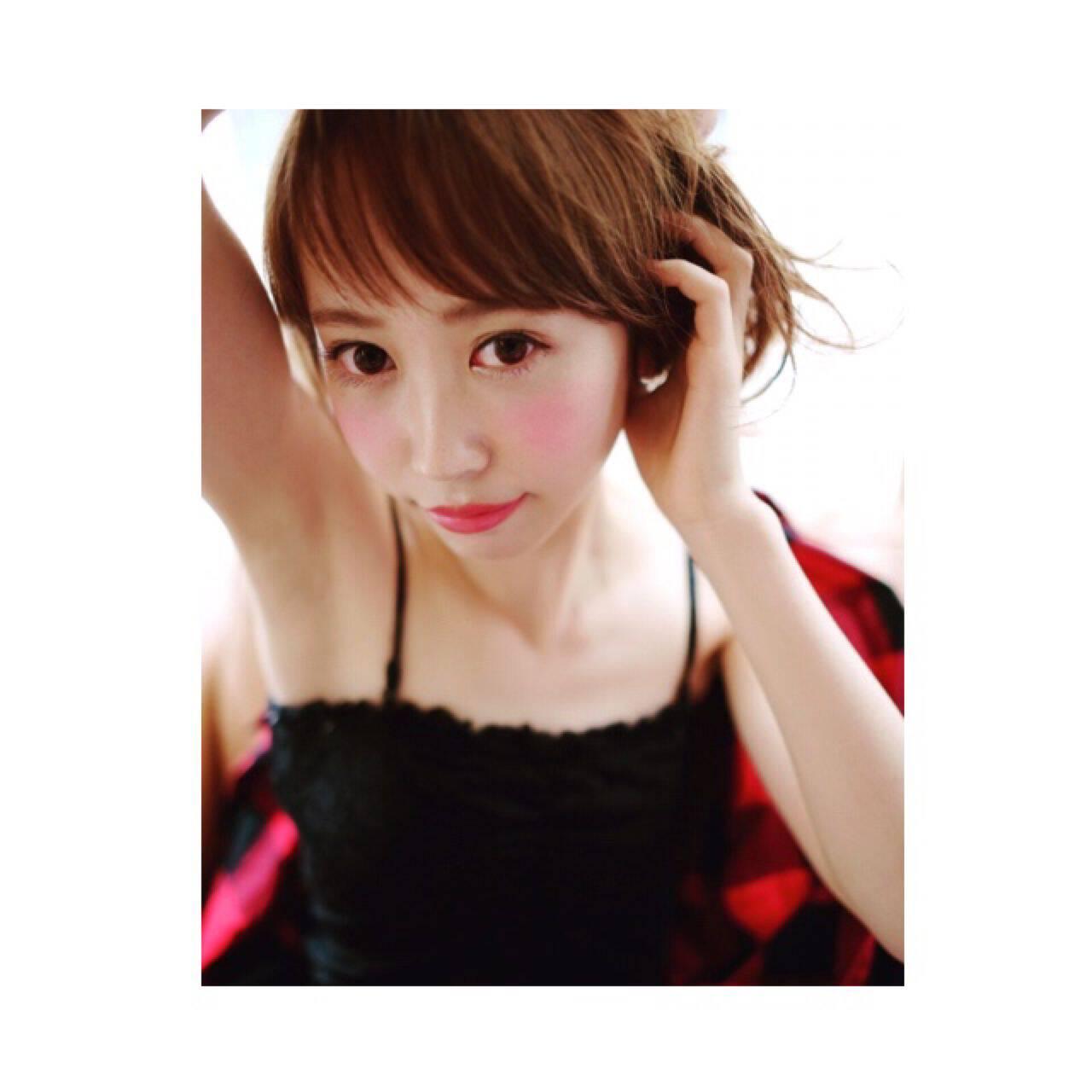 オン眉 ガーリー 渋谷系 セミロングヘアスタイルや髪型の写真・画像