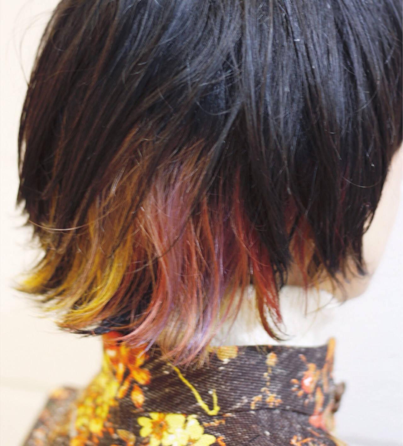 ミディアム ウルフカット カラフルカラー ストリートヘアスタイルや髪型の写真・画像