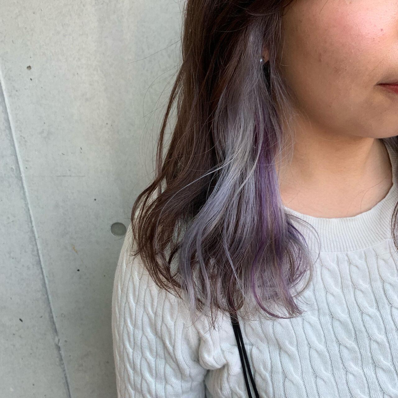 ハイトーン インナーカラー ハイライト セミロングヘアスタイルや髪型の写真・画像