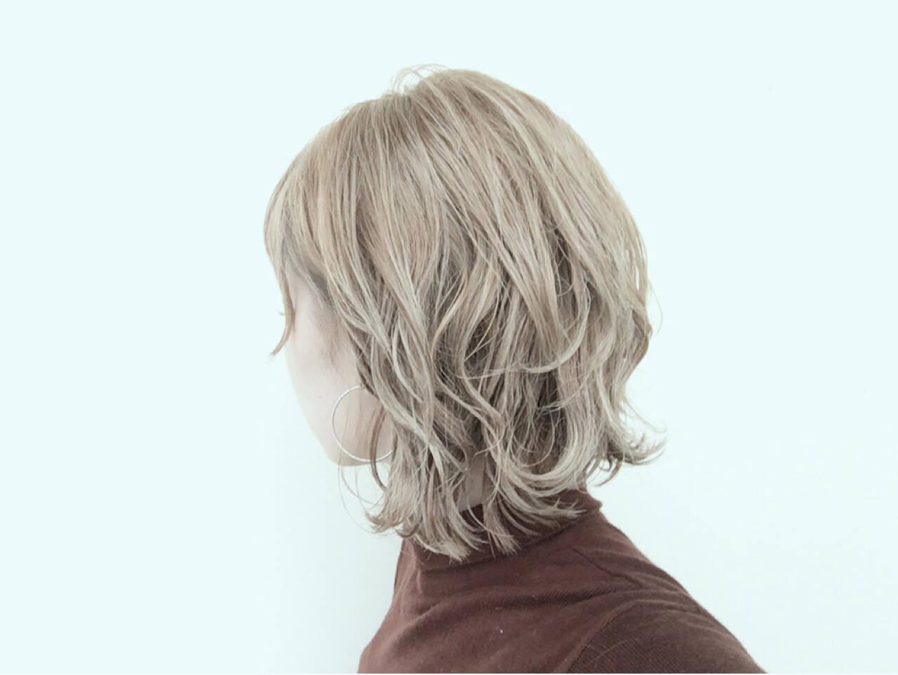 ストリート 抜け感 ベージュ ショートヘアスタイルや髪型の写真・画像