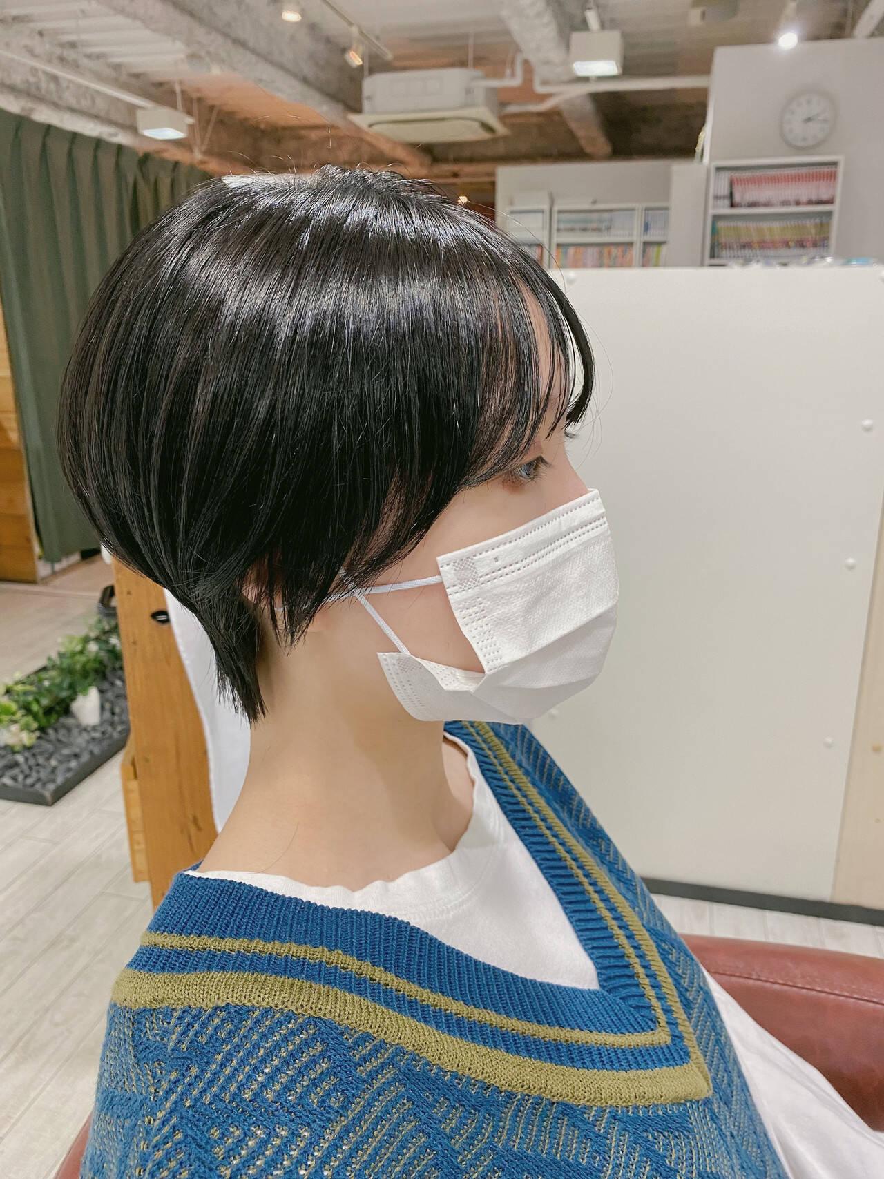 ショートヘア ウルフカット ショートボブ ナチュラルヘアスタイルや髪型の写真・画像