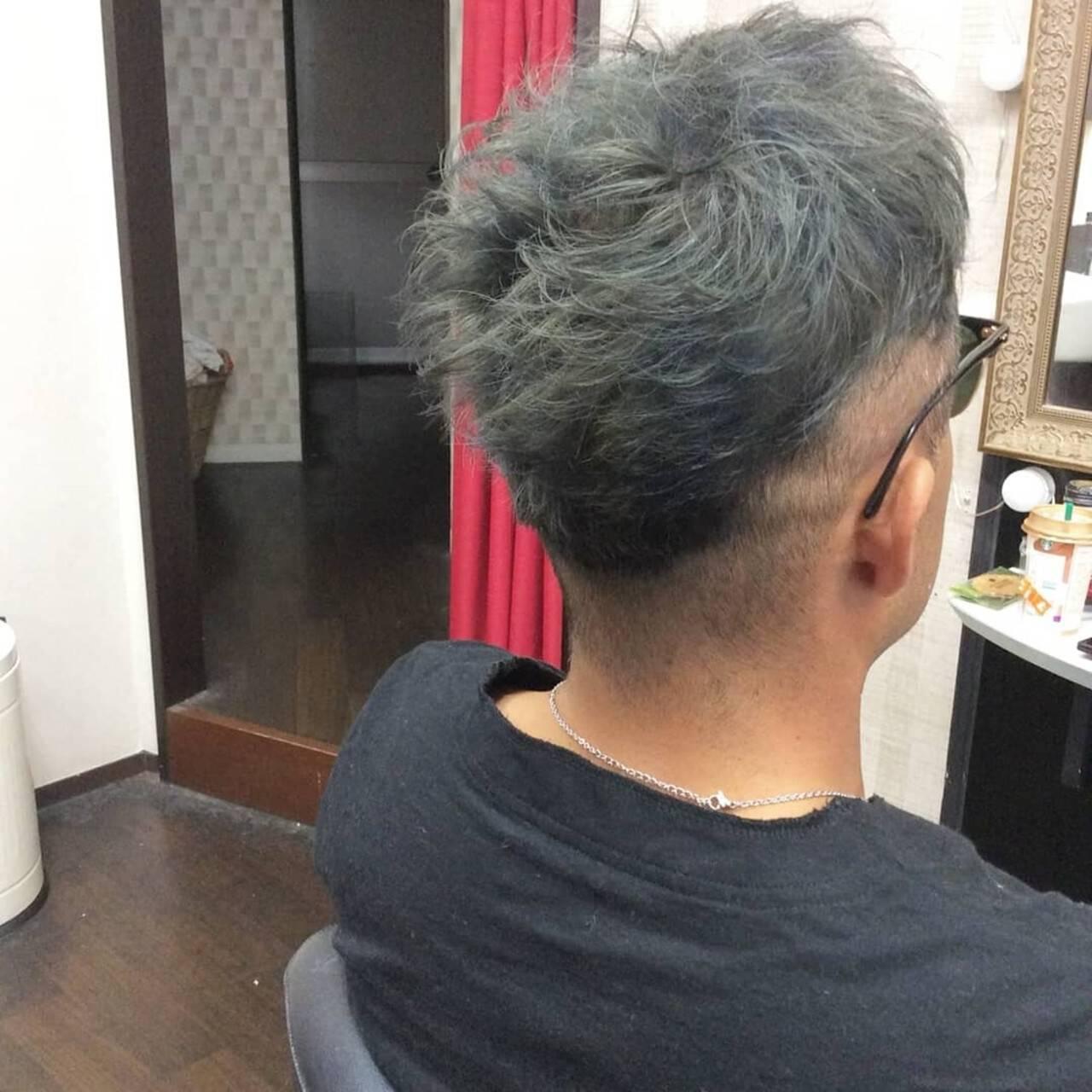 ショート メンズヘア メンズカラー シルバーグレーヘアスタイルや髪型の写真・画像