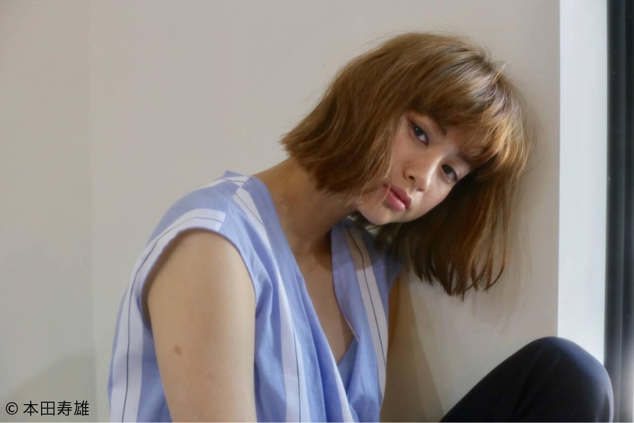こなれ感 ウェーブ アンニュイ ミディアムヘアスタイルや髪型の写真・画像
