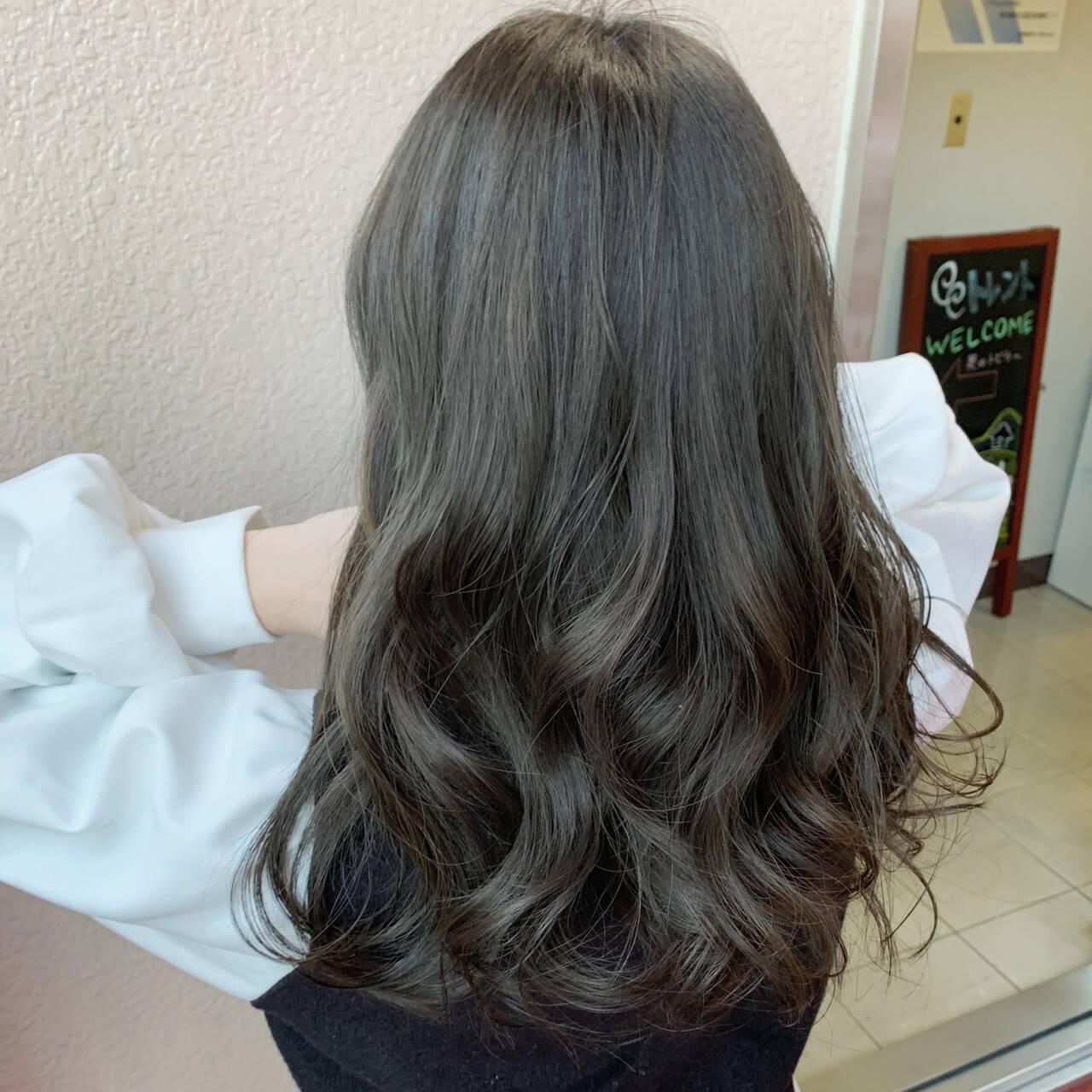 暗髪 カーキアッシュ 暗髪女子 ロングヘアスタイルや髪型の写真・画像