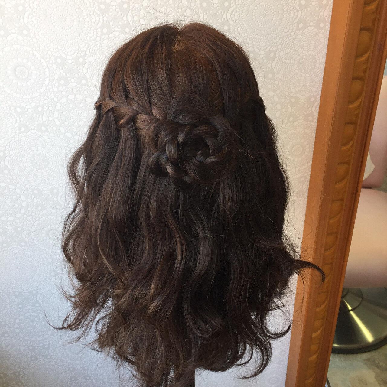 ハーフアップ パーティ セミロング ウォーターフォールヘアスタイルや髪型の写真・画像