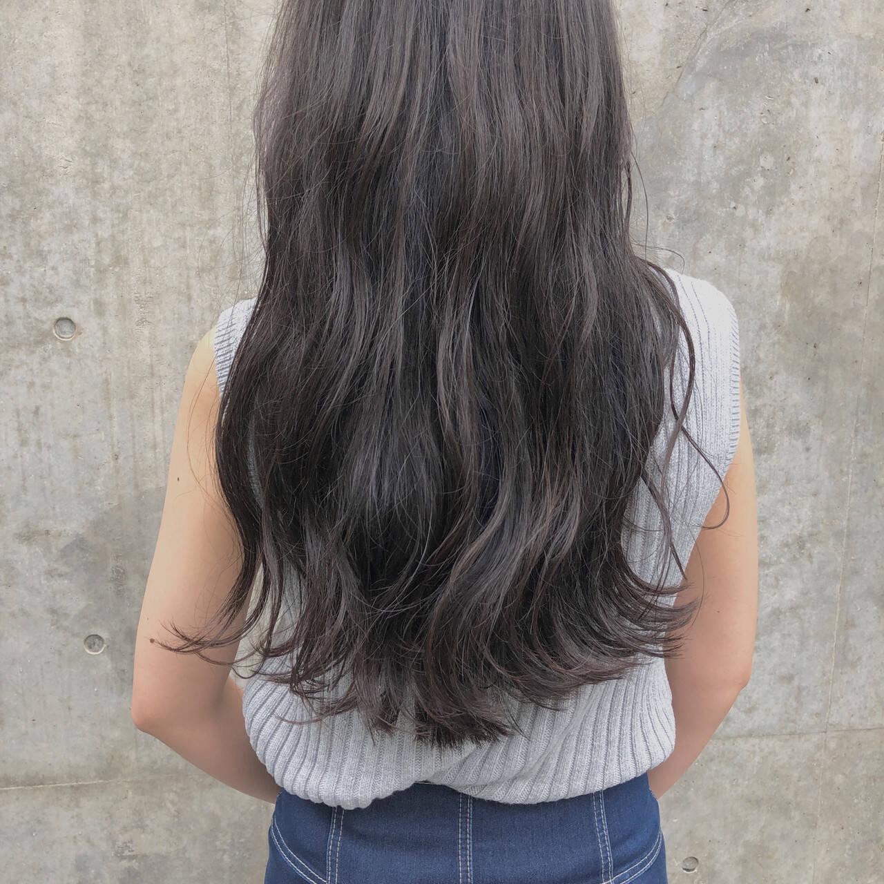 表参道 グレージュ ロング 外国人風カラーヘアスタイルや髪型の写真・画像