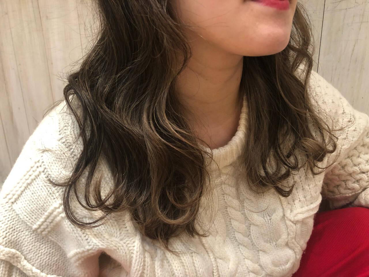 ヘアアレンジ デート パーマ フェミニンヘアスタイルや髪型の写真・画像