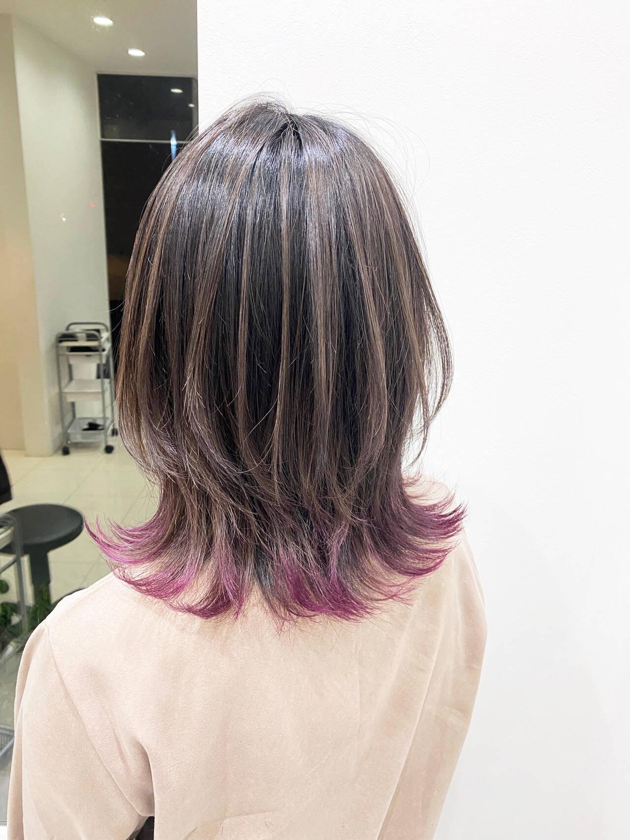 ストリート ミディアム ウルフカット バレイヤージュヘアスタイルや髪型の写真・画像