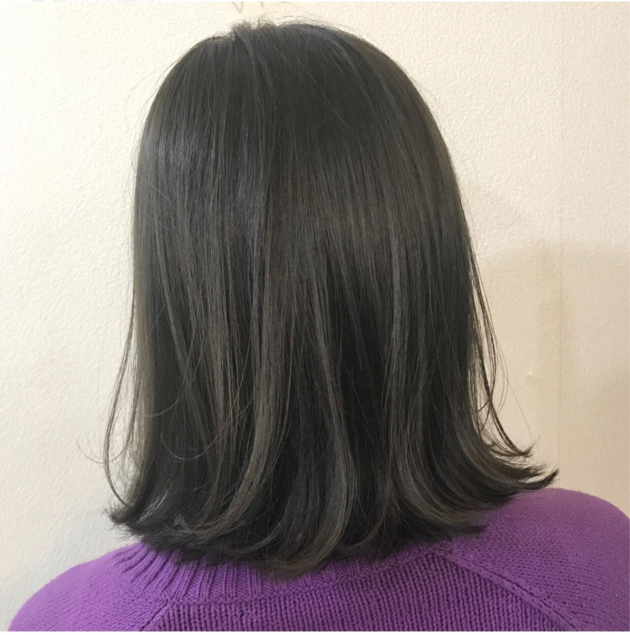 透明感 ナチュラル ボブ カーキアッシュヘアスタイルや髪型の写真・画像