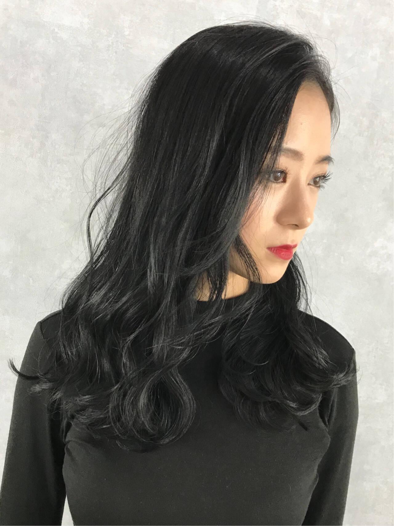 ネイビーカラー モード レイヤーカット ネイビーヘアスタイルや髪型の写真・画像