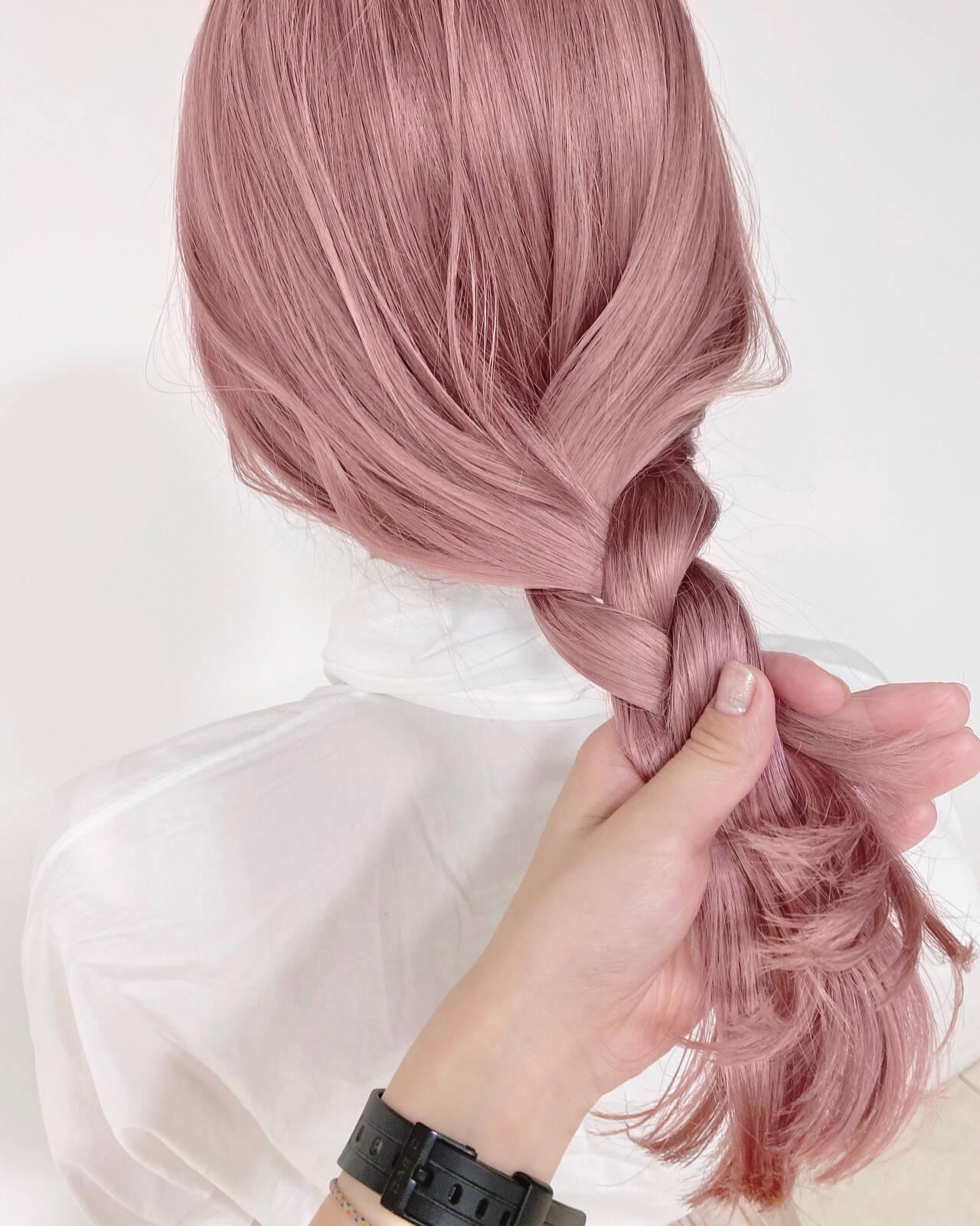 ピンクベージュ フェミニン ピンク ブリーチ必須ヘアスタイルや髪型の写真・画像