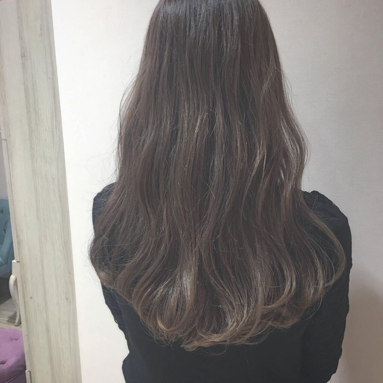 イルミナカラー グレージュ セミロング 外国人風カラーヘアスタイルや髪型の写真・画像