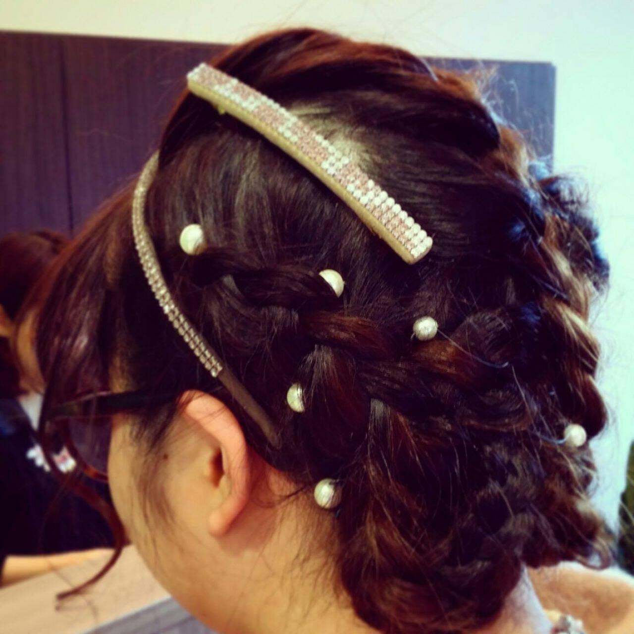編み込み ヘアアレンジ ガーリーヘアスタイルや髪型の写真・画像