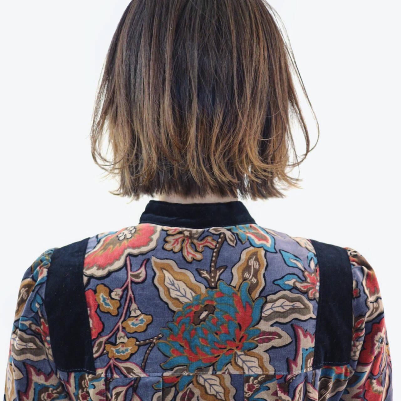 外ハネ バレイヤージュ インナーカラー グラデーションカラーヘアスタイルや髪型の写真・画像