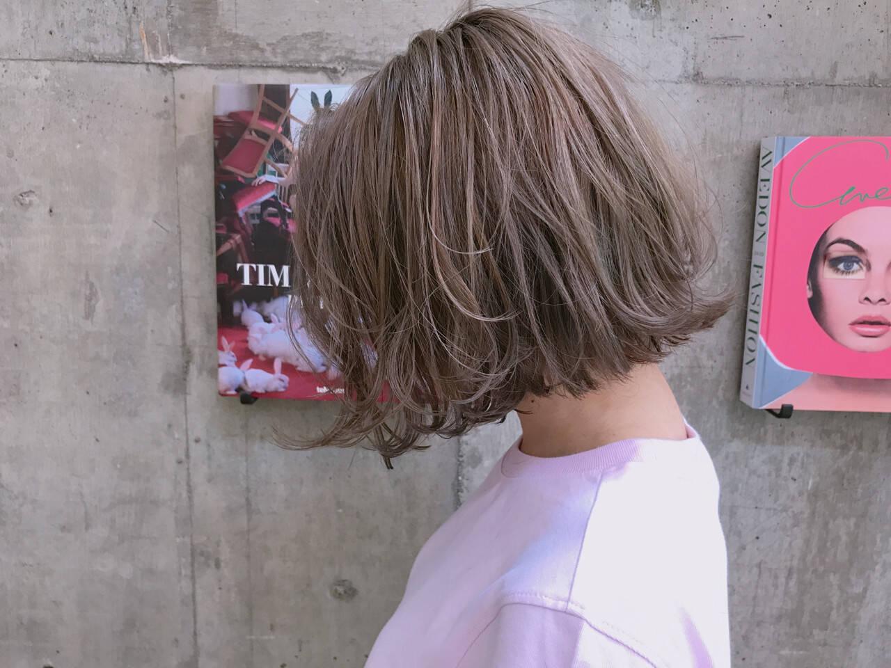 ボブ ブルージュ 透明感 ブリーチヘアスタイルや髪型の写真・画像