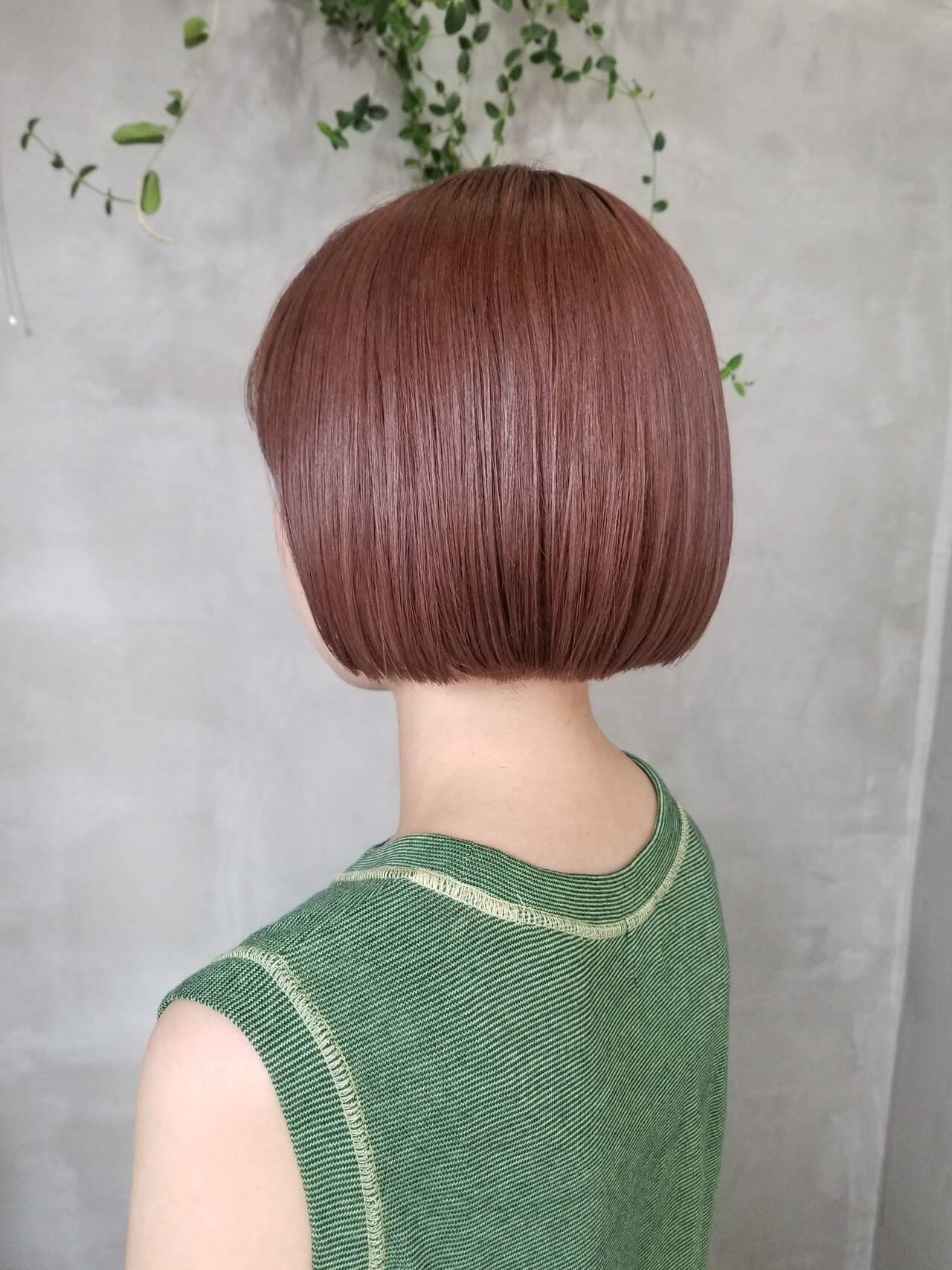 ボブ ナチュラル ピンクベージュ イルミナカラーヘアスタイルや髪型の写真・画像