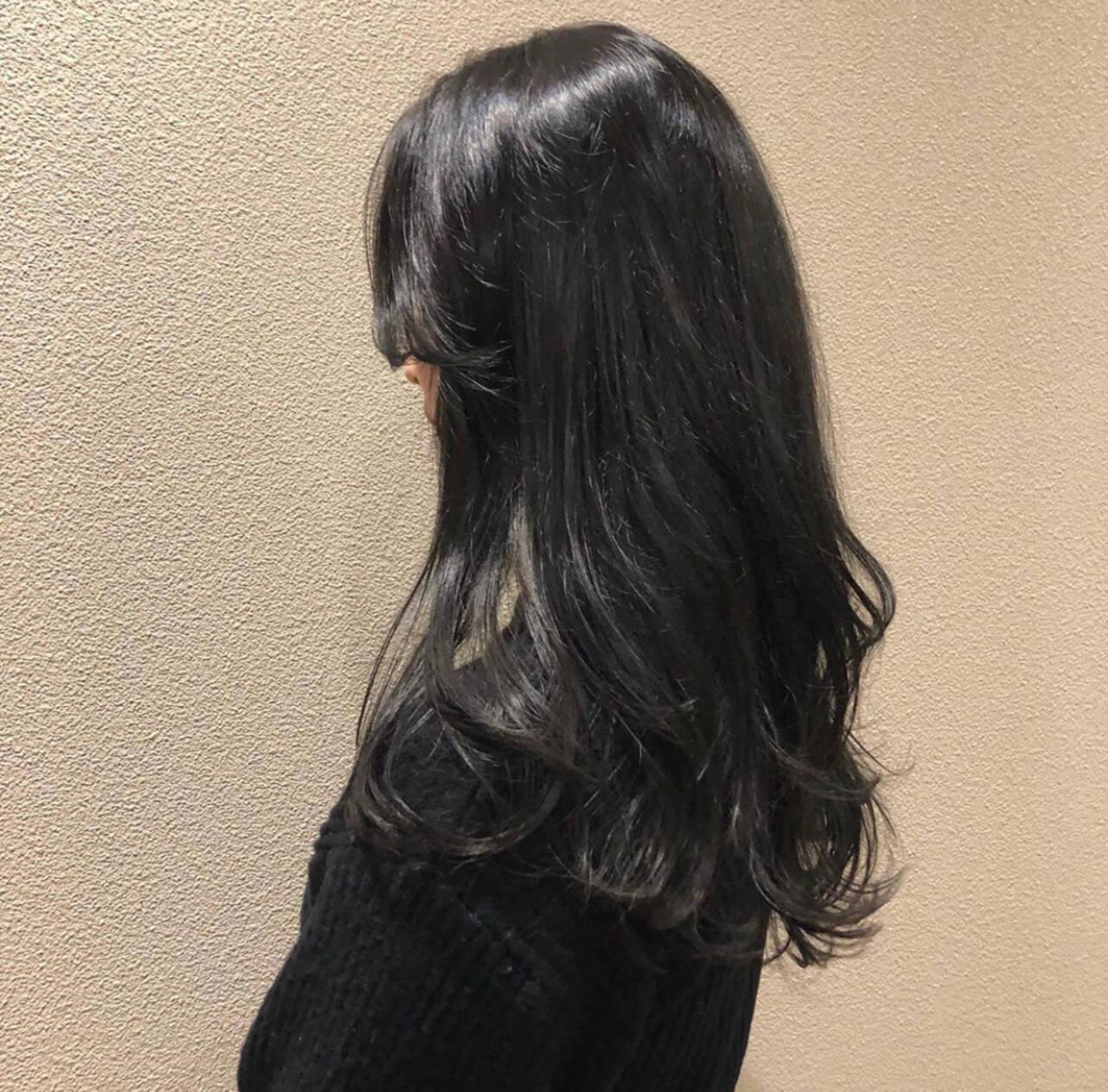 黒髪 フェミニン 暗髪 レイヤーロングヘアヘアスタイルや髪型の写真・画像