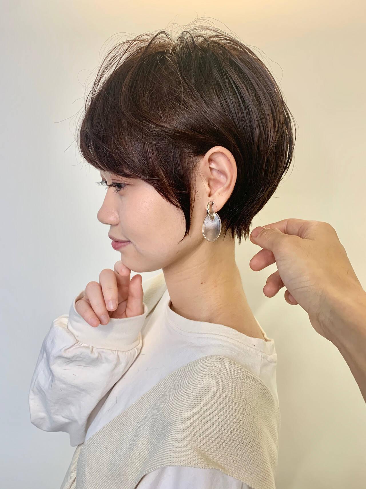 ショート ショートボブ インナーカラー ガーリーヘアスタイルや髪型の写真・画像