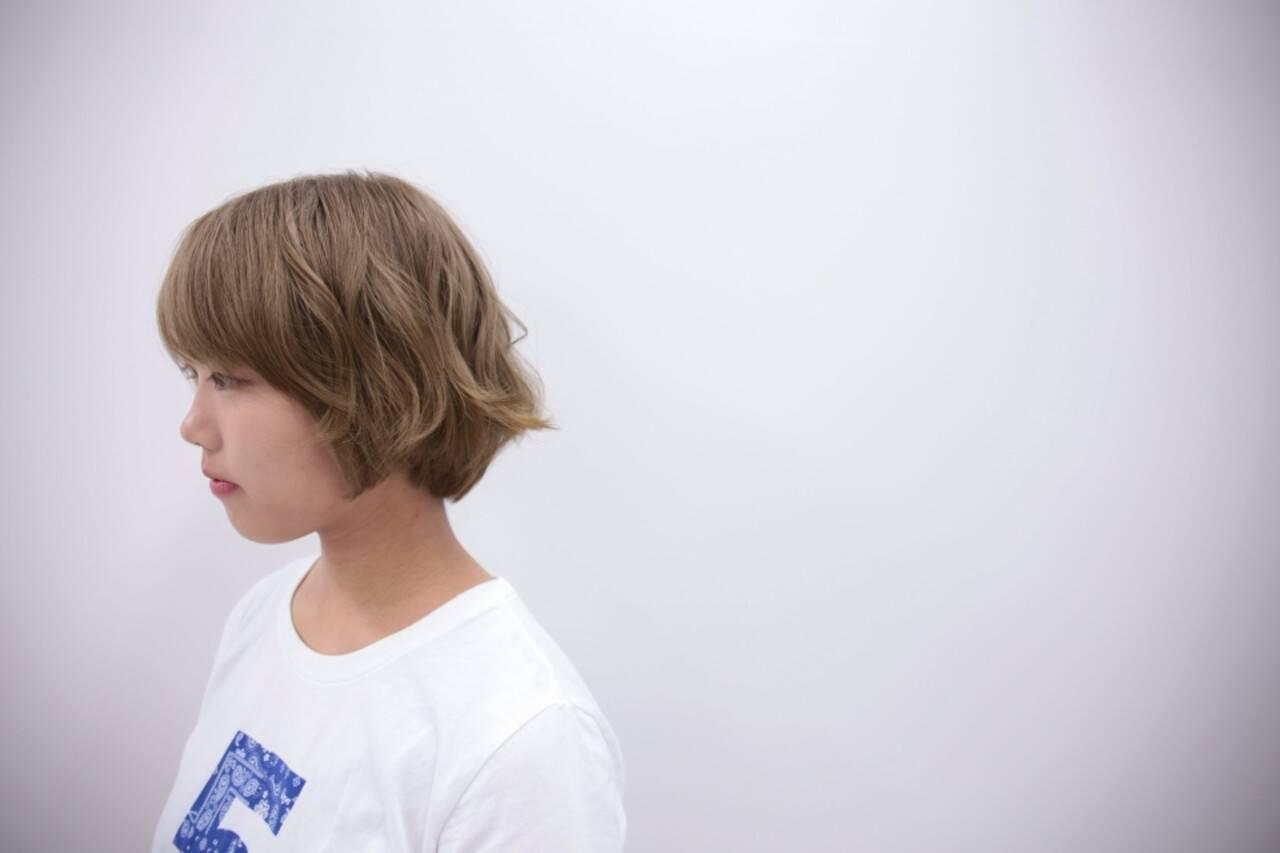 ダブルカラー ブリーチ ハイトーン ショートヘアスタイルや髪型の写真・画像