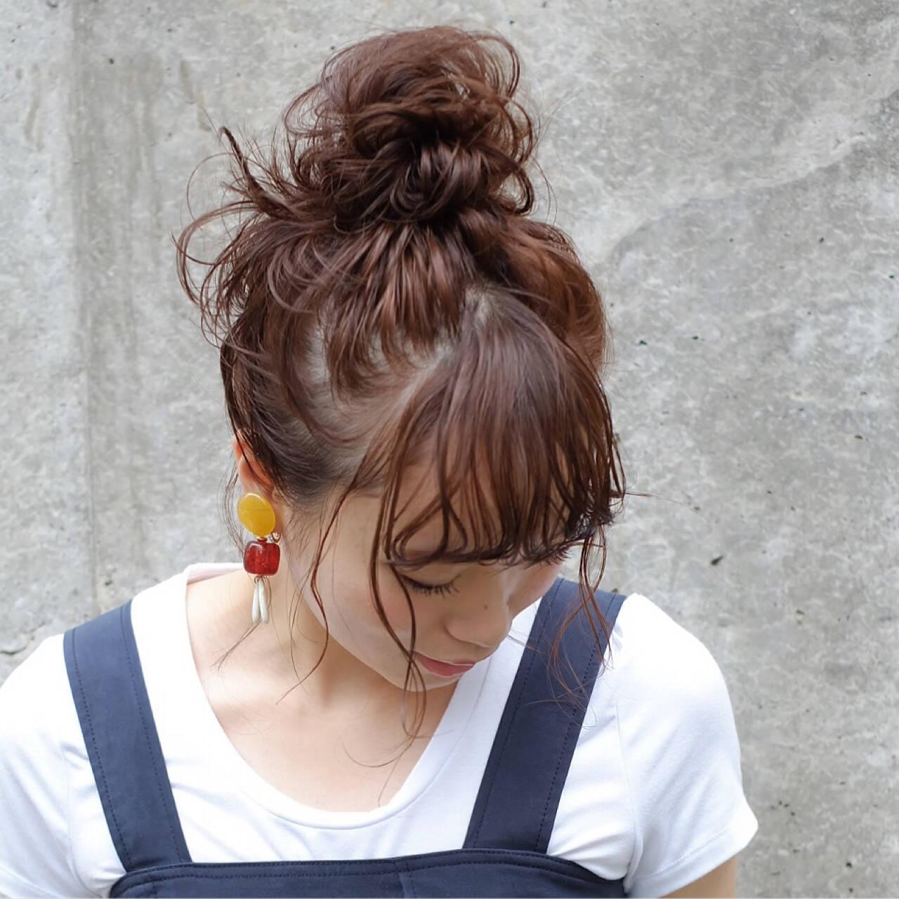 ルーズ シニヨン ヘアアレンジ 秋ヘアスタイルや髪型の写真・画像
