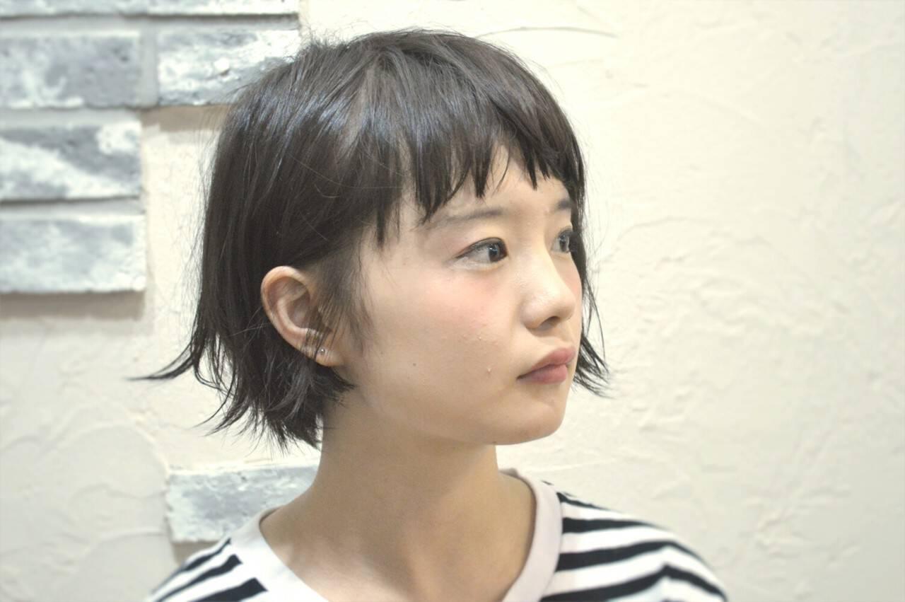 パーマ ナチュラル レザーカット 耳かけヘアスタイルや髪型の写真・画像