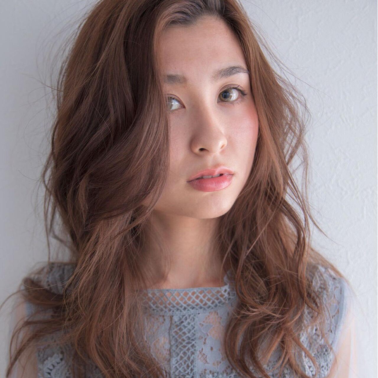 セミロング ゆるふわ 巻き髪 カールヘアスタイルや髪型の写真・画像