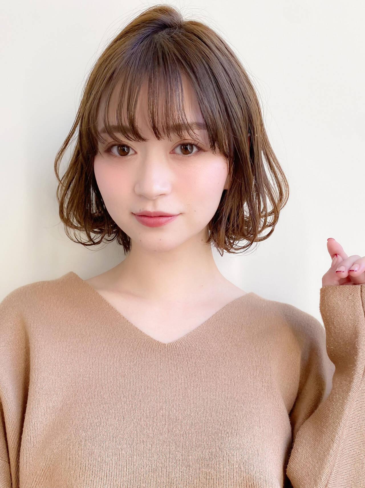 小顔 大人かわいい イルミナカラー ミディアムヘアスタイルや髪型の写真・画像