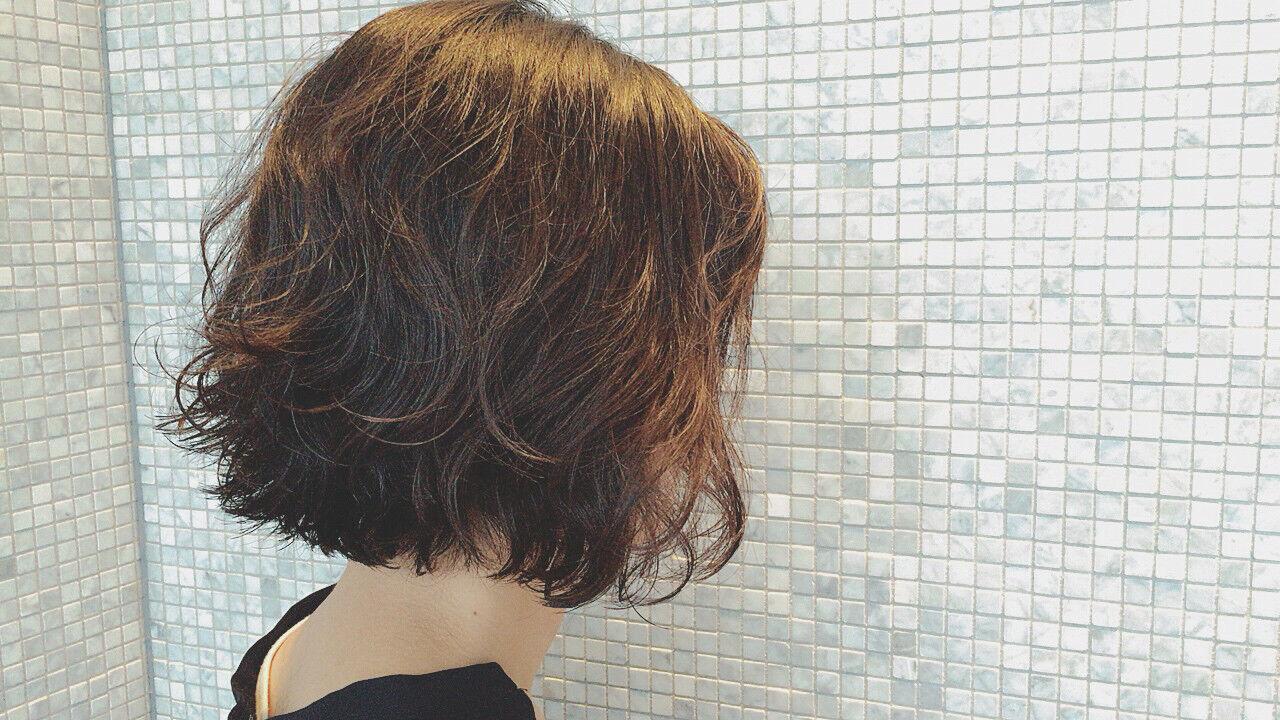くせ毛風 パーマ 外国人風 黒髪ヘアスタイルや髪型の写真・画像