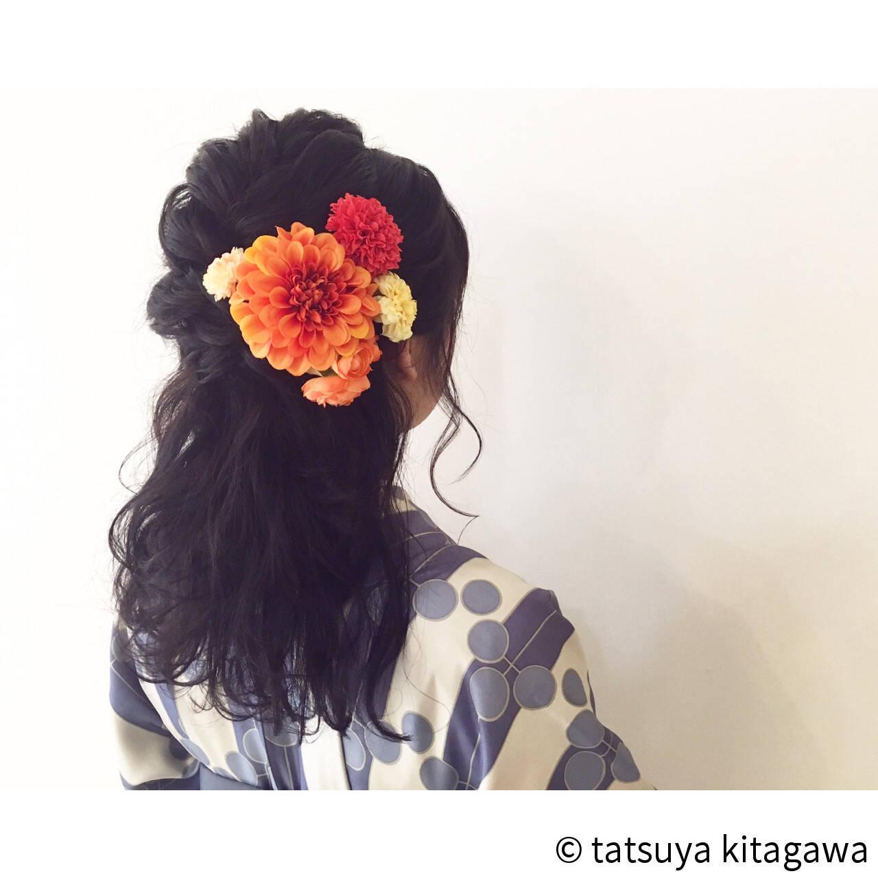 セミロング 結婚式 ハーフアップ フェミニンヘアスタイルや髪型の写真・画像