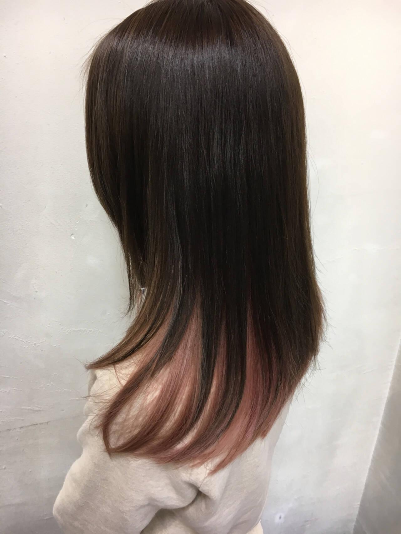 ストリート ピンク セミロング インナーカラーヘアスタイルや髪型の写真・画像