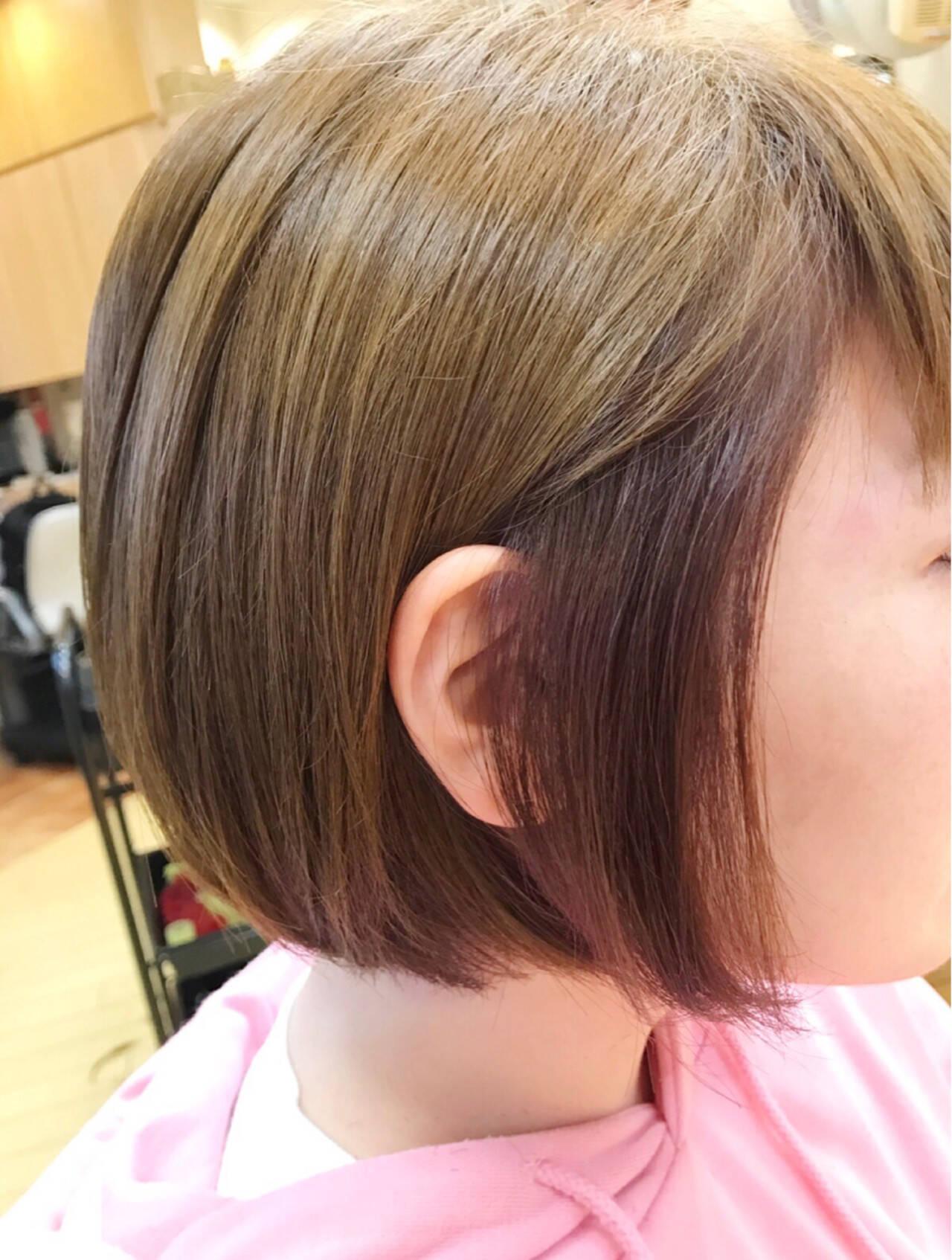 ガーリー アッシュ ボブ ハイトーンヘアスタイルや髪型の写真・画像