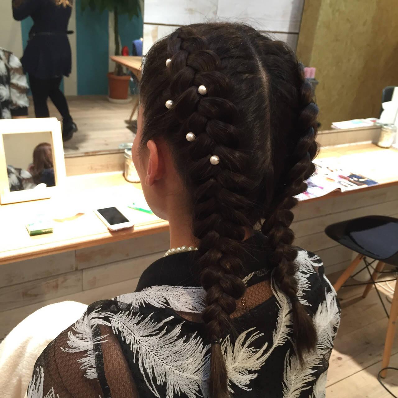ヘアセット セミロング パールアクセ ストリートヘアスタイルや髪型の写真・画像