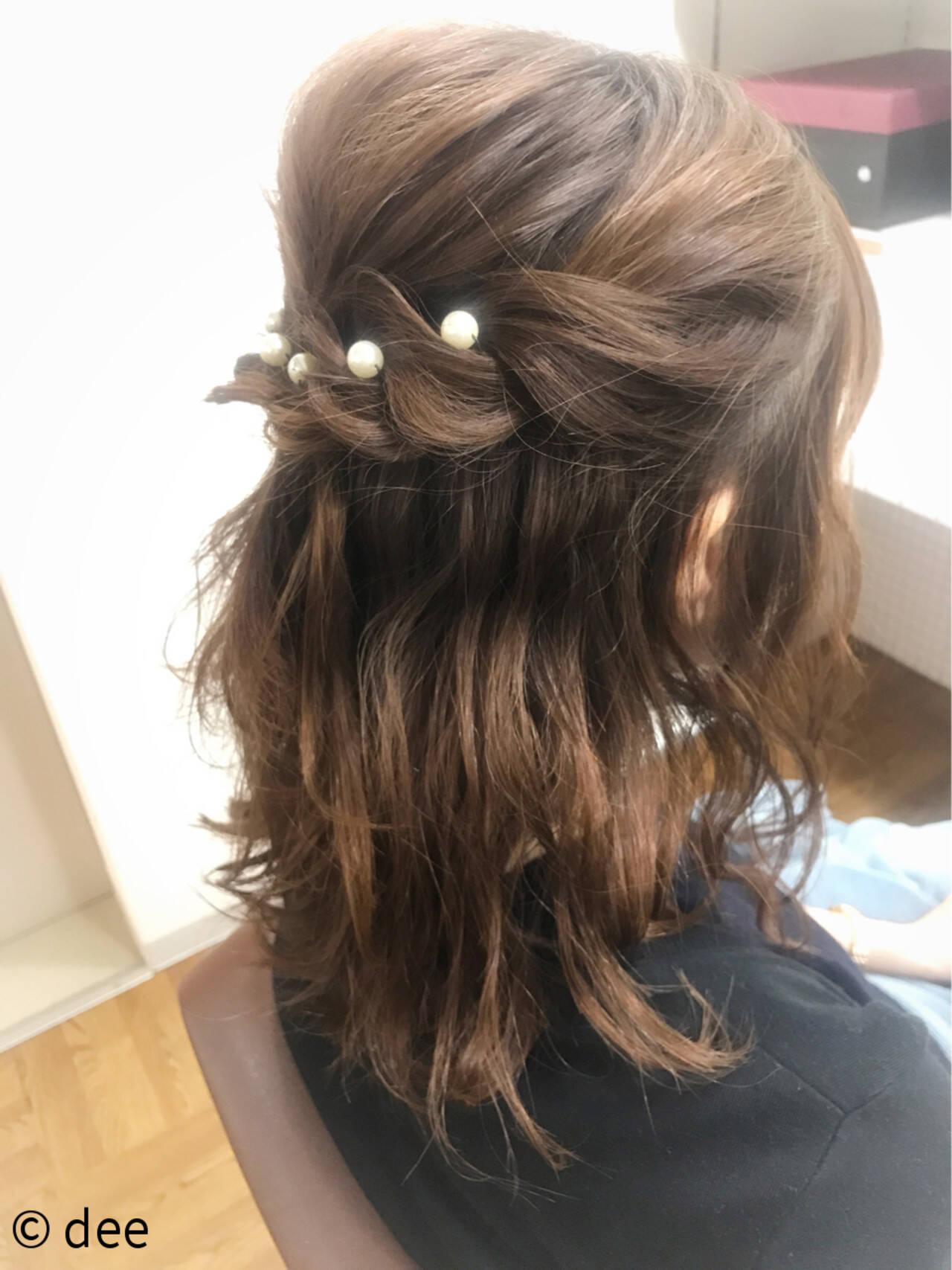 ヘアピン パールアクセ ミディアム ナチュラルヘアスタイルや髪型の写真・画像
