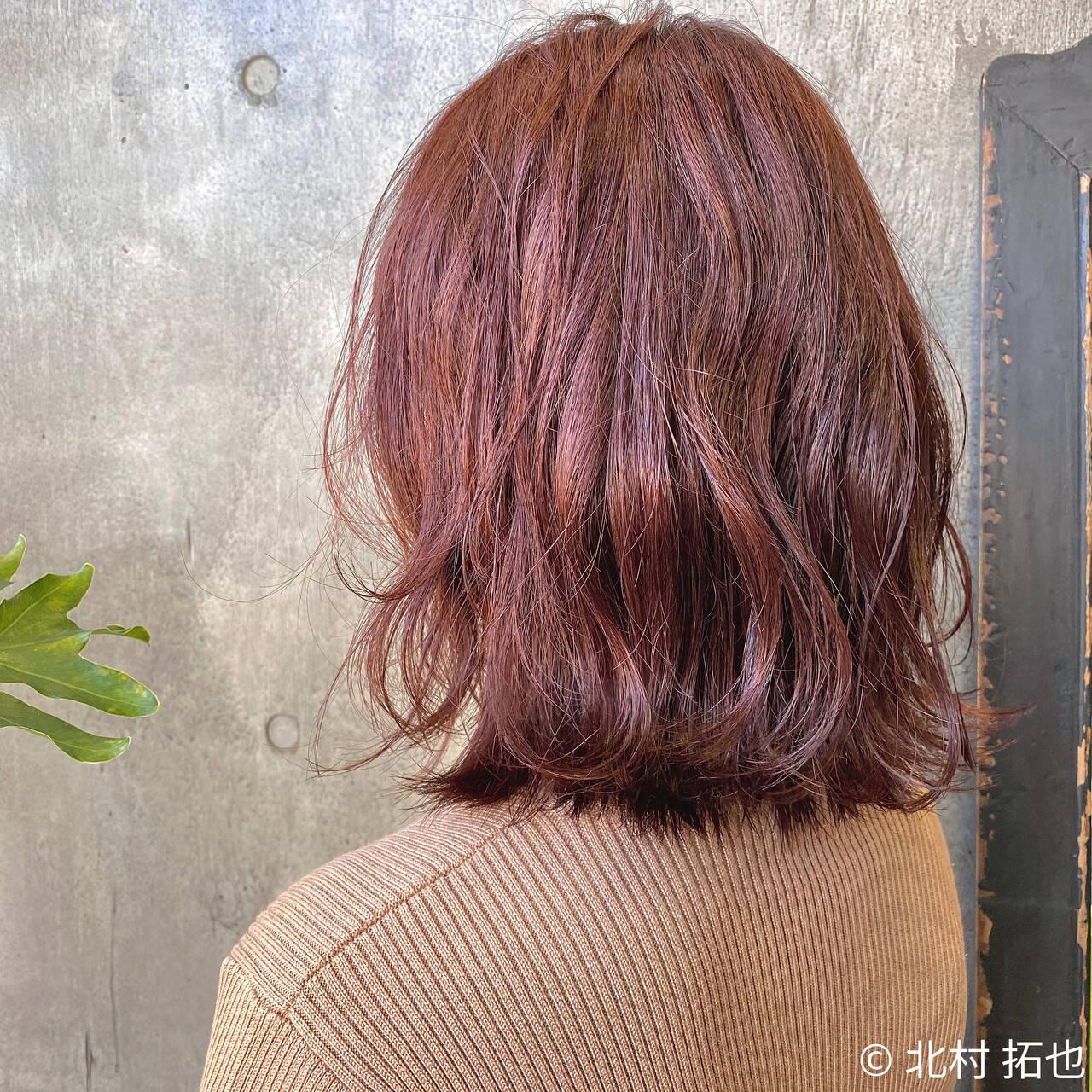 モテボブ ブリーチなし チェリーレッド 外ハネボブヘアスタイルや髪型の写真・画像