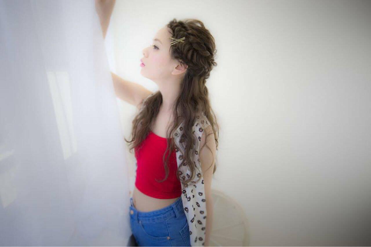 春 編み込み ヘアアレンジヘアスタイルや髪型の写真・画像