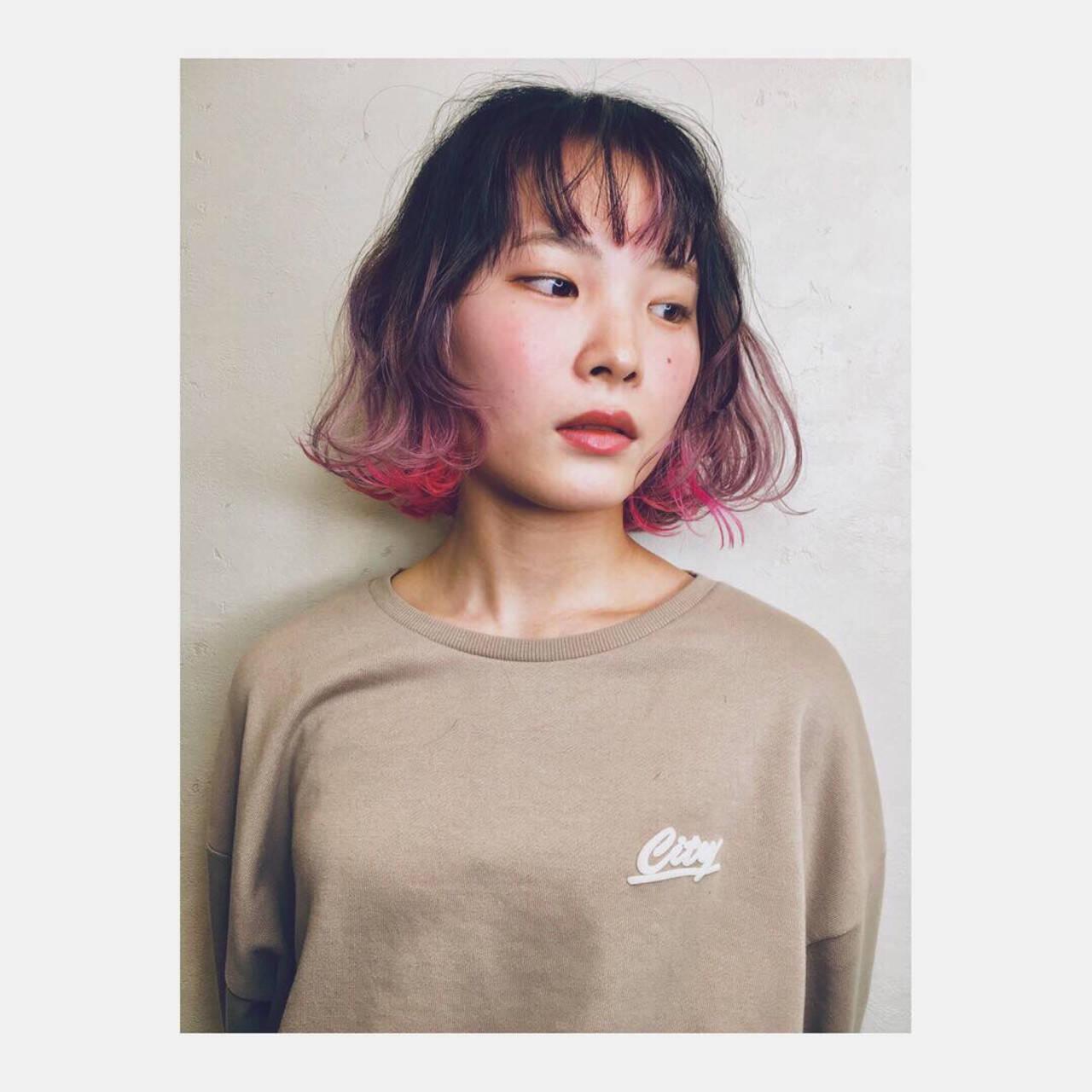 ハイトーン インナーカラー ピンク グラデーションカラーヘアスタイルや髪型の写真・画像