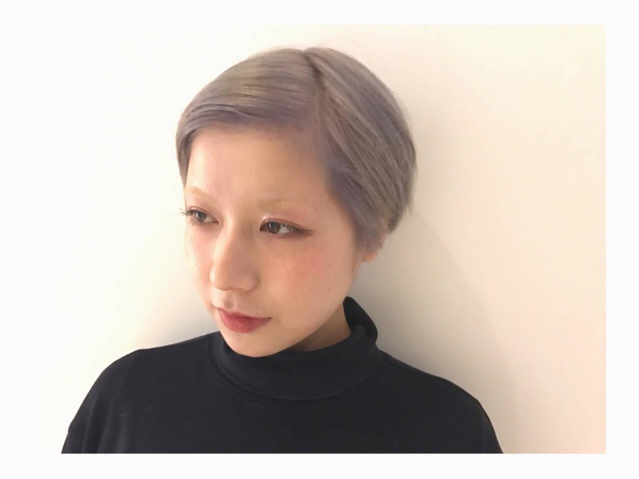 モード ショート ハイトーン ホワイトヘアスタイルや髪型の写真・画像